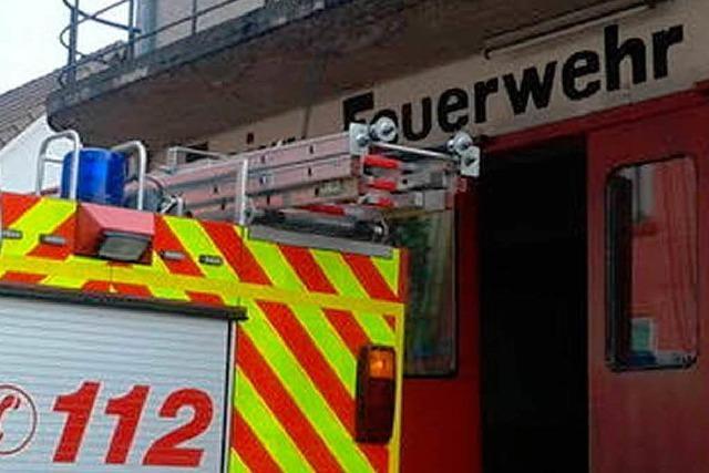 Einbrecher fluten Feuerwehrhaus