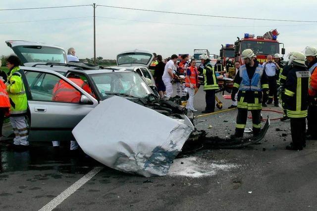 Fünf Verletzte bei Unfall auf B 36