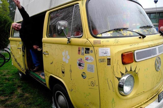 Bulli-Treff mit Hippie-Charme – VW-Bus-Fans in Kirchzarten