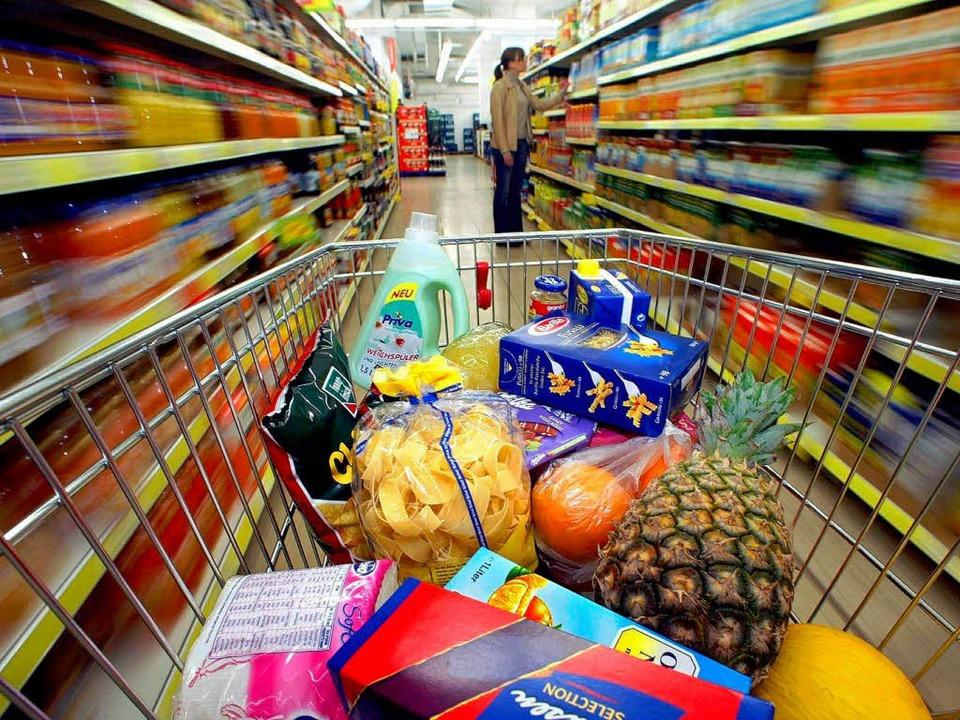 Viele Lebensmittelhändler auf deutsche...t Uwe Böhm von der IHK International.   | Foto: dpa