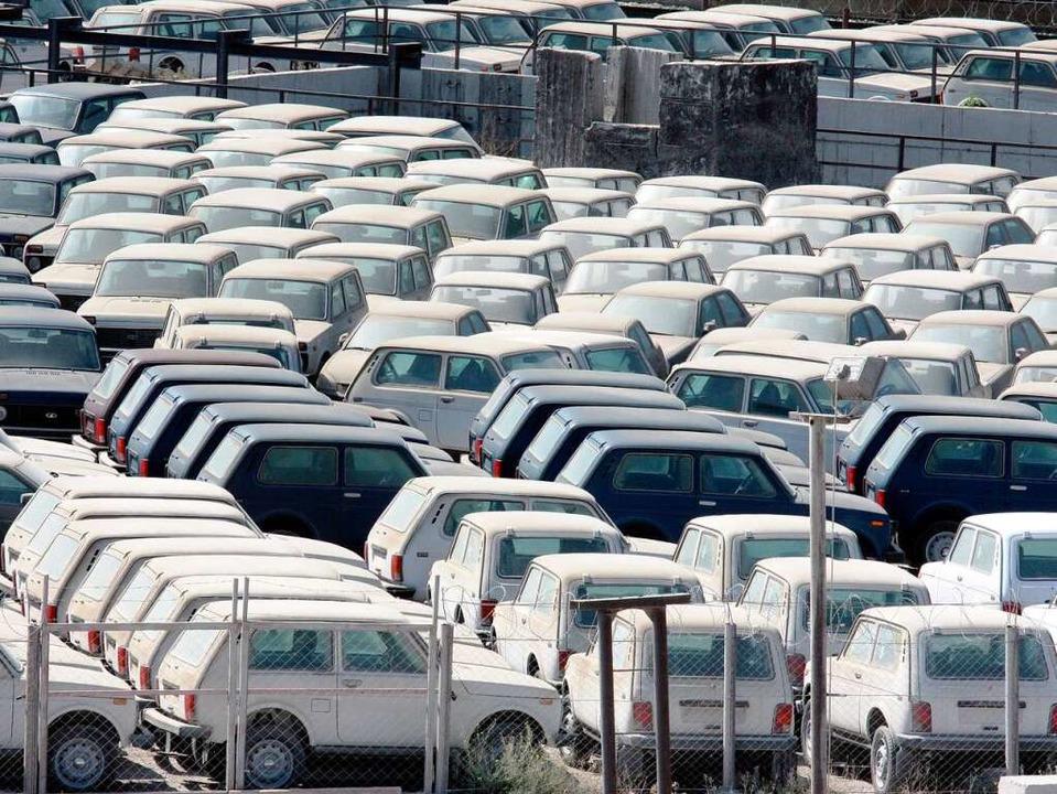 Russlands Industrie produziert kaum no...as in Noworossijsk blieben Ladenhüter.    Foto: dpa
