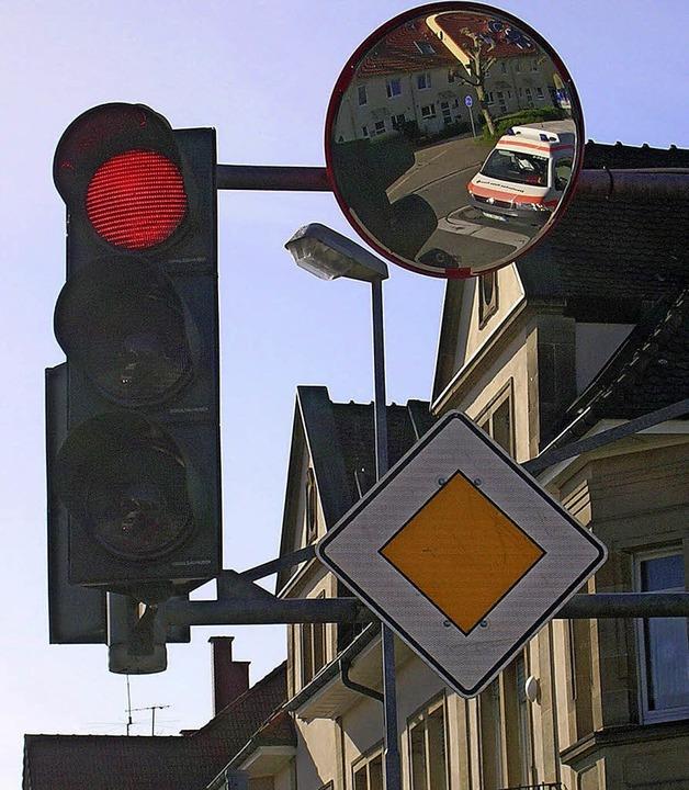Trixi-Spiegel an der Ecke Hochburger-/Moltkestraße, weitere sollen folgen  | Foto: Sylvia-Karina Jahn