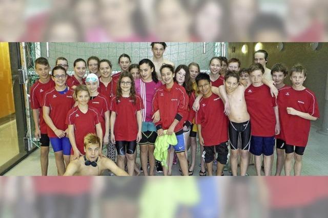 Medaillenflut im Schwimmbecken