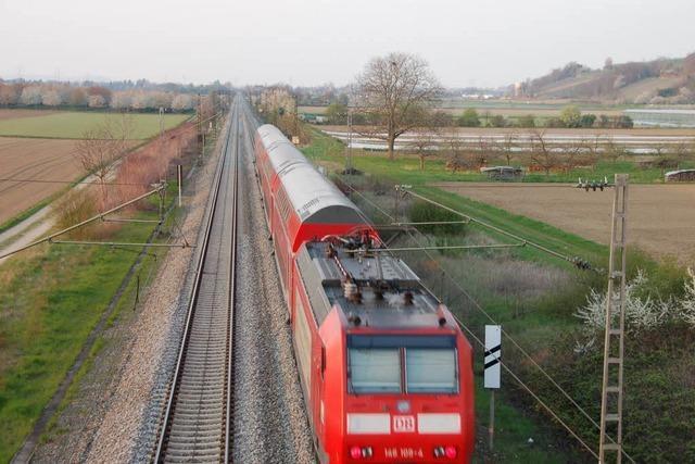 Unfall im Gleisbereich: Rheintalbahn gesperrt