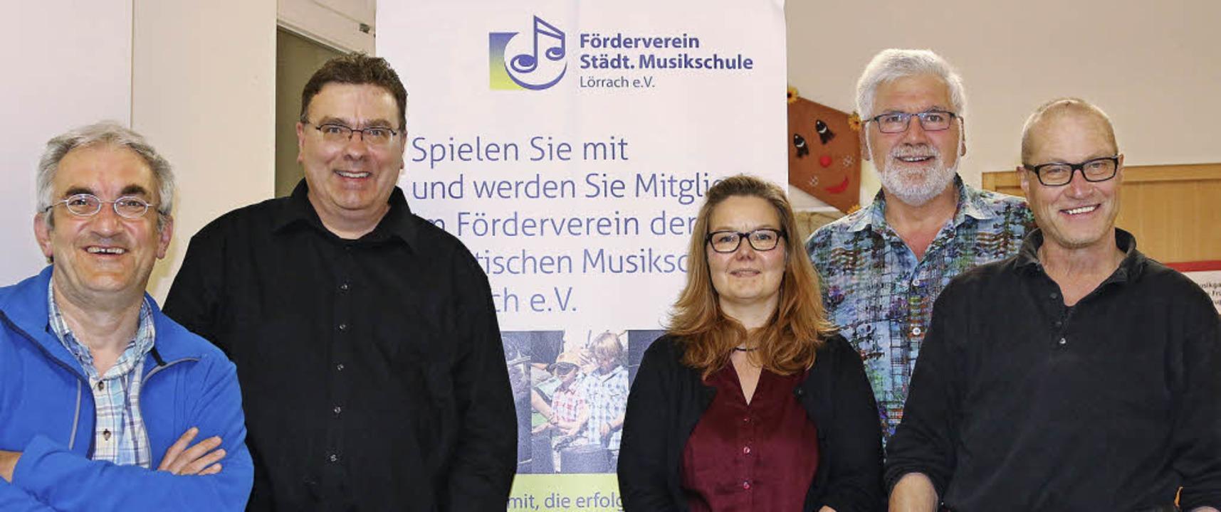 Der neue Vorstand ist fast identisch m...r) und als neuer Beisitzer Peter Dums.    Foto: Katharina Bartsch