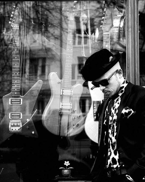 Setzt jetzt auf Rockgitarren: Jan Delay     Foto: Nils Mueller