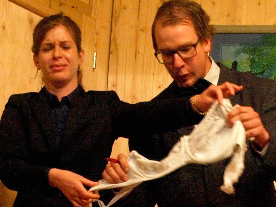 Linda Schwan sucht Rat bei Dr. Freud.  | Foto: Karin Stöckl-Steinebrunner
