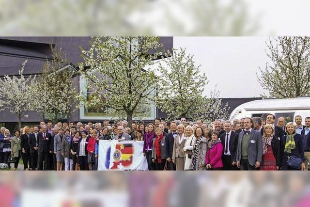 Regio-Lions erkunden den Vitra-Campus