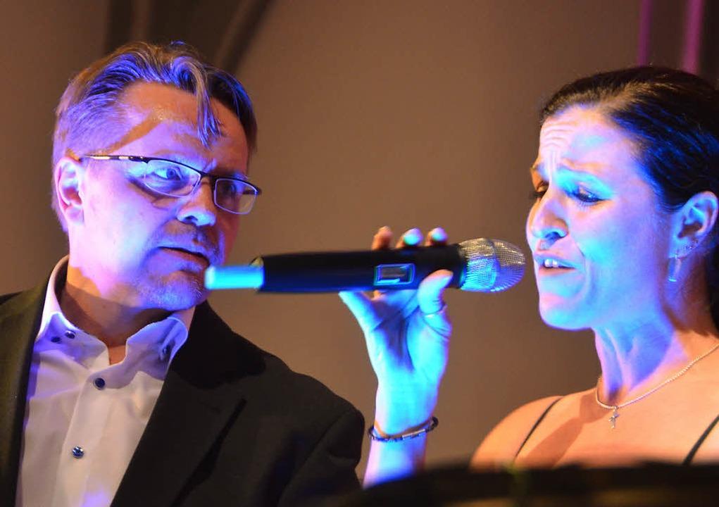 Musikalisch und mimisch super: Rainer Lenz und Melanie Schäfer  | Foto: Sylvia-Karina Jahn