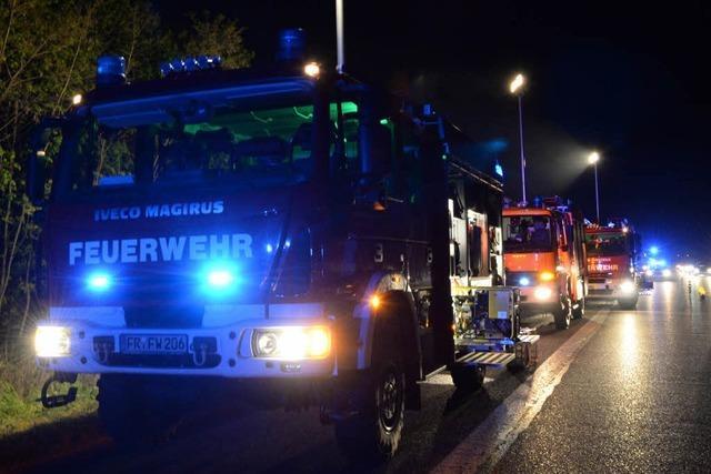 Gestohlenes Motorrad brennt an der A5 – Fahrer unauffindbar