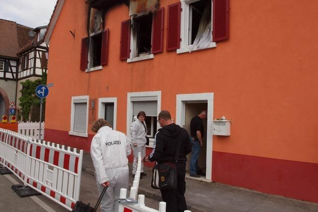 Gewaltverbrechen in Kenzingen: Polizei verhaftet Tatverdächtige – Mutmaßlicher Komplize auf der Flucht