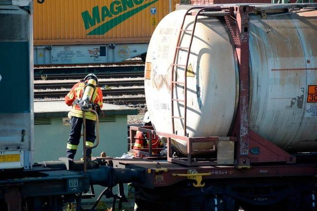 Rheintalstrecke nach Gefahrgutalarm gesperrt