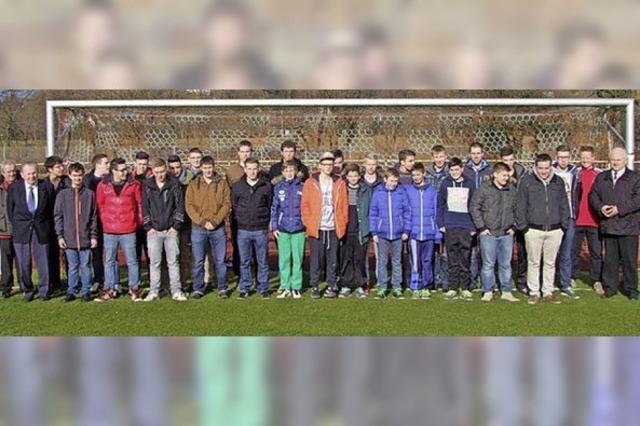 26 Fußball-Schiedsrichter stehen bereit