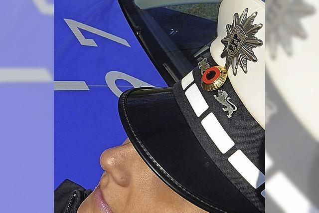 Silikonbrust im Polizeidienst erlaubt