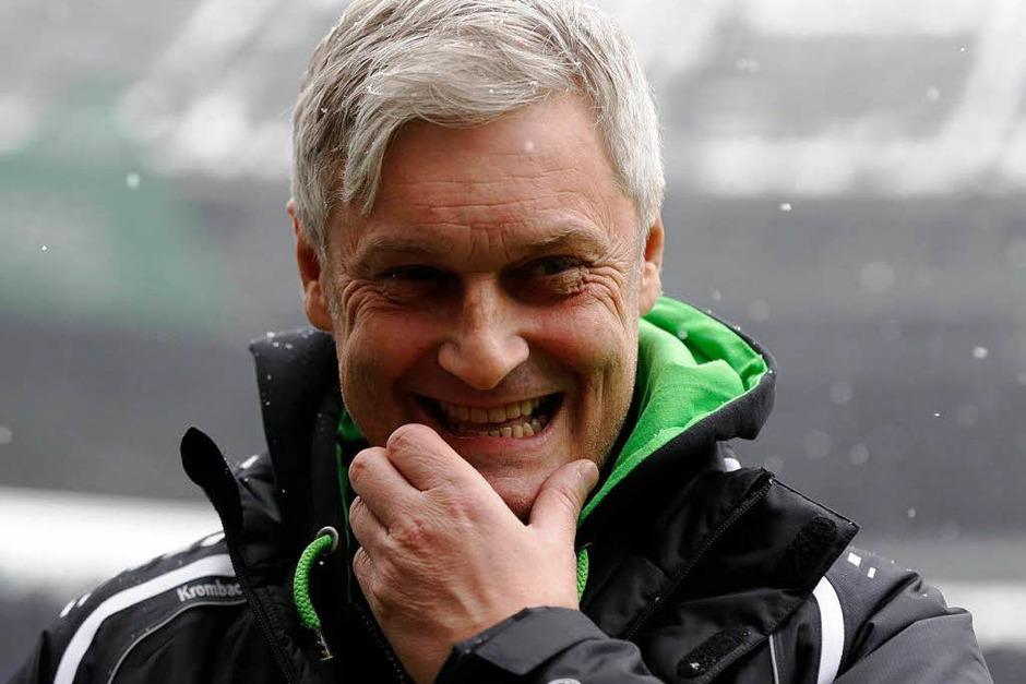 HANNOVER 96 (derzeit 32 Zähler) spielt am 17. April gegen Frankfurt. Das Hinspiel ärgerte Armin Veh: Die Eintracht verlor in Hannover mit 0:2. (Foto: AFP)