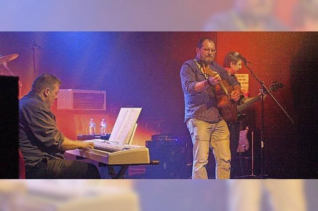Singer-Songwriter Trio Red Gold spielt in Lörrach