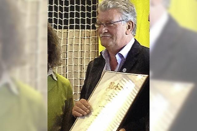 Ehrennadel für Manfred Thrönle