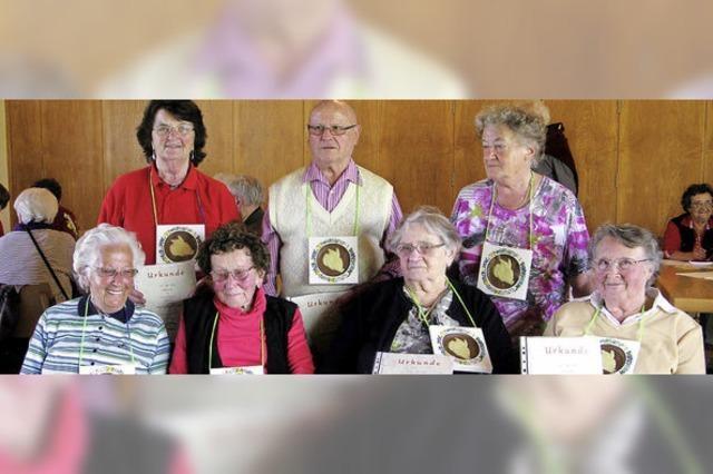 Frauenverein ehrt Mitglieder für bis zu 65 Jahre Treue
