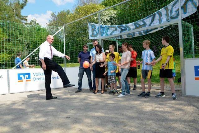 Mobiles Speedsoccer-Spielfeld in Lörrach eingeweiht
