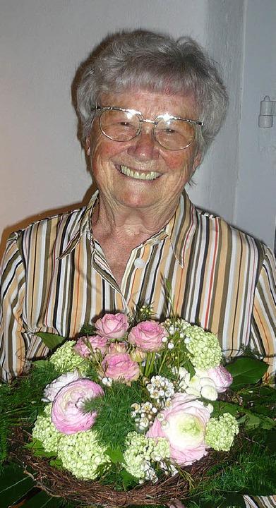 Herta Olschowka las im Hebelhaus bei d...xte ihres verstorbenen Gatten Walter.   | Foto: Klaus Brust