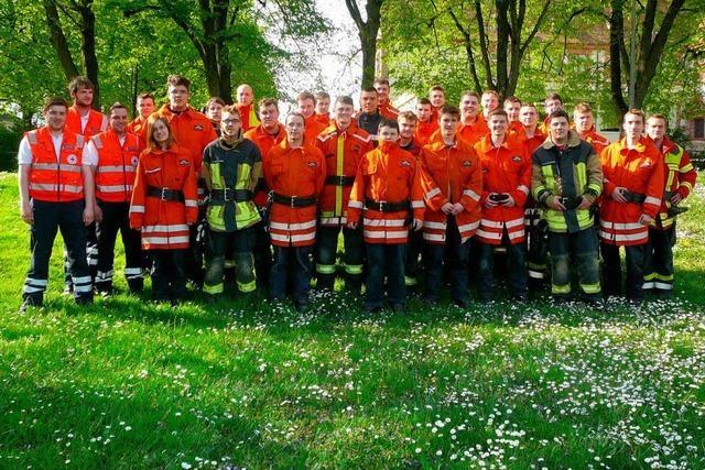 29 Feuerwehrleute bestehen Prüfung