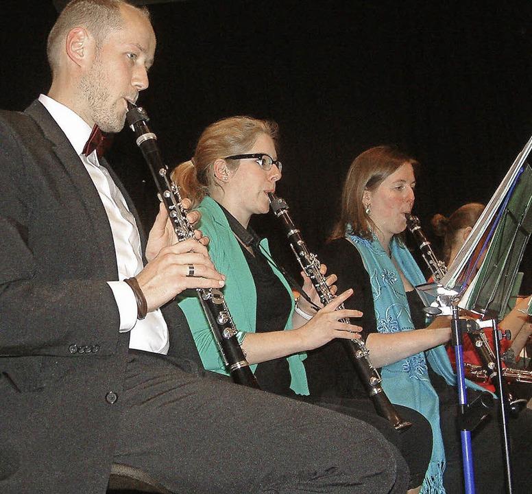 Blasorchester Lure (links) und  Verban...hrhein traten erstmals gemeinsam auf.   | Foto: R. Frey