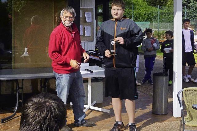Mario Papa gewinnt Sandplatz-Turnier in Denzlingen