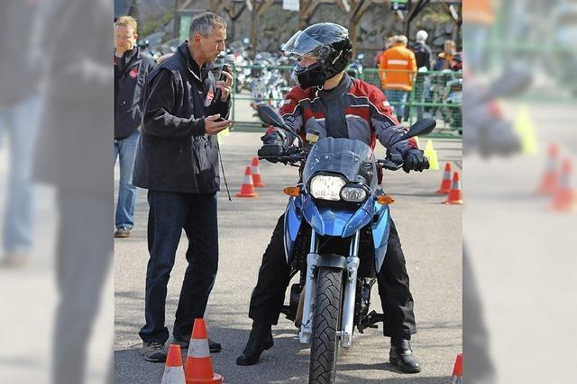 Gefahren des Motorradfahrens am Schluchsee