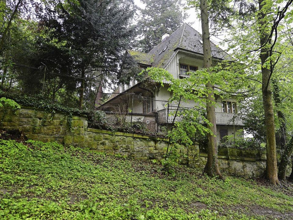 Der Eigentümer dieser Villa an der Win...sieht keine Zukunft mehr für das Haus.  | Foto: Ingo Schneider