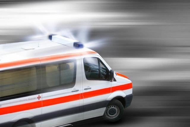 Radfahrerin kollidiert mit Tram und wird schwer verletzt