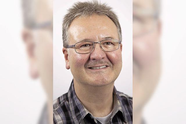 Jürgen Knörr dirigiert den Musikverein
