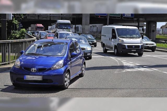 Straßenverkehr nimmt zu - Regierung legt Leitplan vor