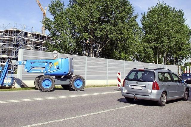 Rechtsstreit um Finanzierung der Lärmschutzwand - Grundstückbesitzer klagt