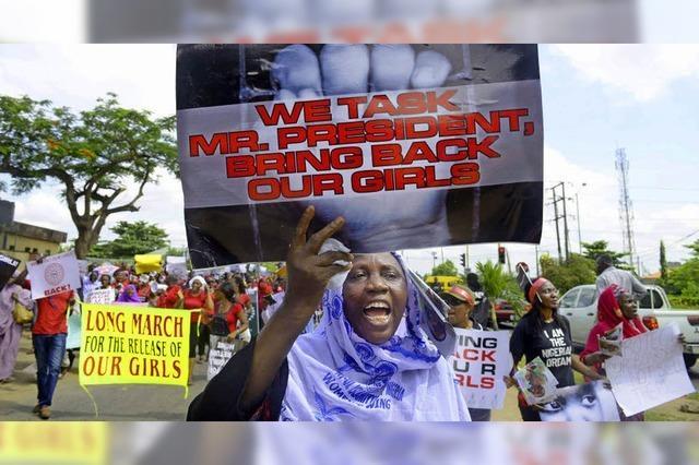 Islamisten verschleppen 300 Mädchen - Polizei überfordert