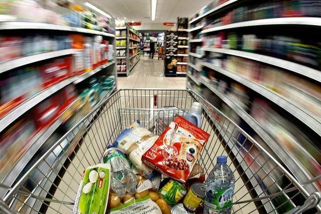 Dreiste Diebin verliert bei Flucht aus Supermarkt einen Schuh
