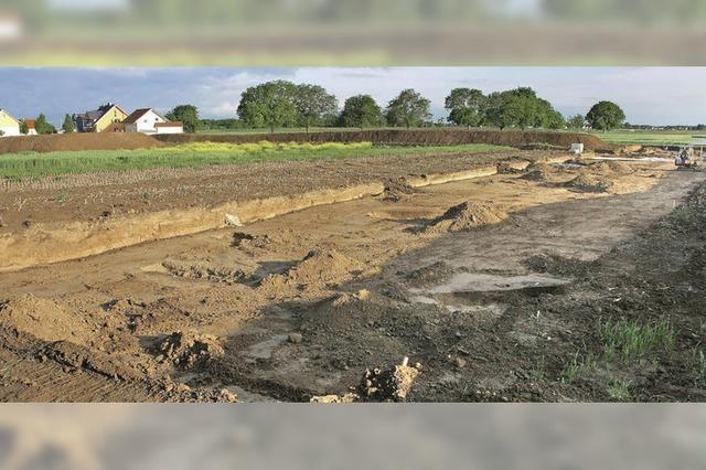 Archäologen zeigen bisherige Funde