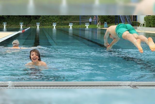 Herbolzheim feiert die Wiedereröffnung seines aufwändig sanierten Schwimmbads