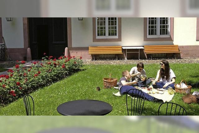 Im Museum für Wohnkultur in Basel kann man sich einen Picknickkorb bestellen