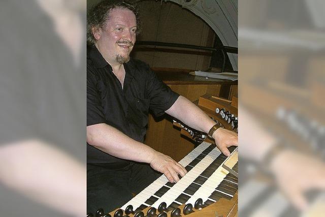 Organist bringt Kirchenraum zum Vibrieren