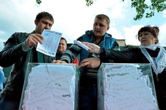 Referendum in der Ostukraine: Zwischen Farce und Feiertag
