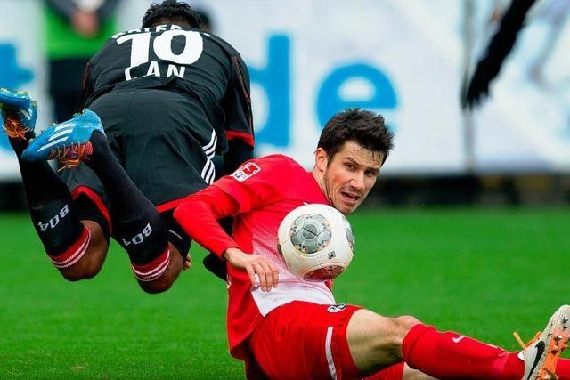 SC Freiburg verlängert mit Mensur Mujdza