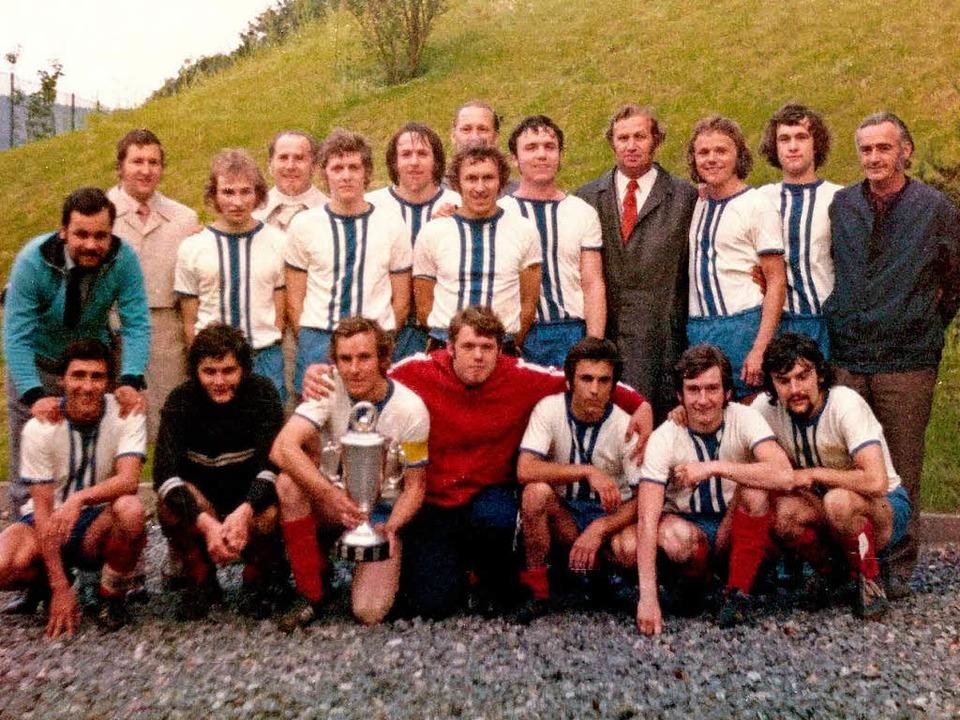 Das letzte Mal war der SVW  im Jahr 19...ler, Trainer und Sponsoren von damals.    Foto: Bernhard Becherer