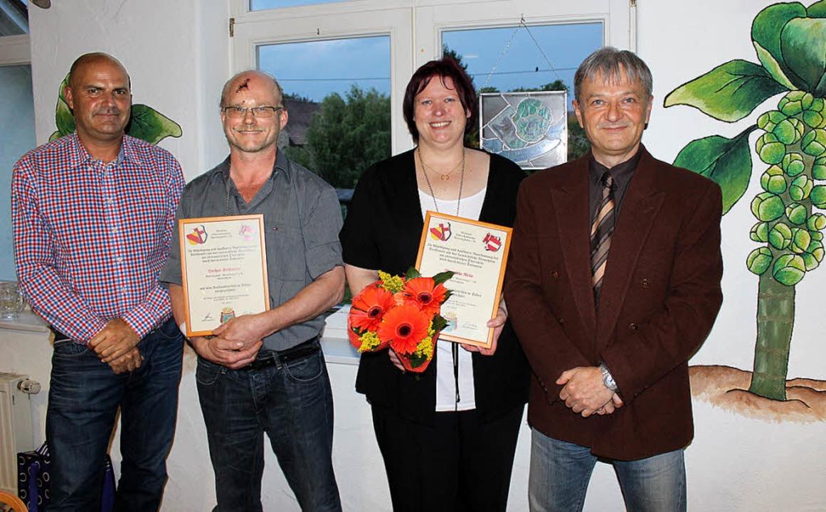 Für ihre langjährige Vorstandtätigkeit...rs (links) und Robert Hensle (rechts).  | Foto: mario schöneberg