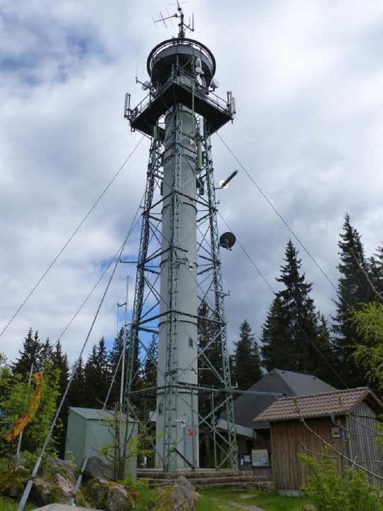 Der Hochfirstturm von Westen    Foto: Peter Stellmach