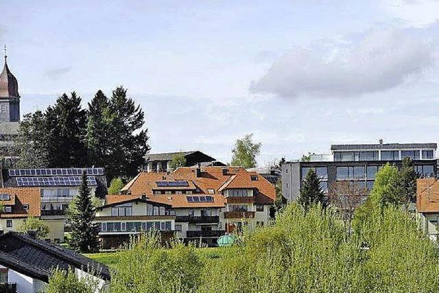 Moderner Anbau ergänzt Schwarzwaldhaus