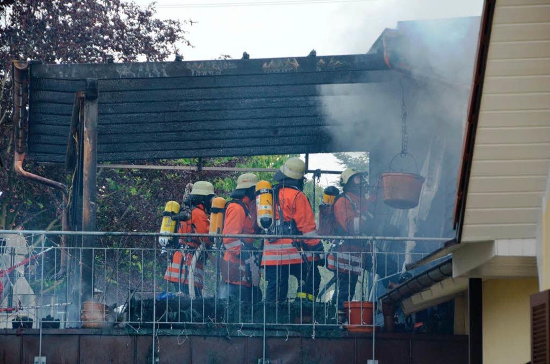 Der rasche Einsatz der Feuerwehr verhinderte Schlimmeres.  | Foto: Ralf H. Dorweiler