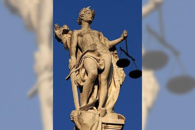Bei Streit mit Banken oder Versicherungen hilft ein Ombudsmann