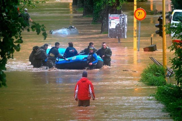 Balkan-Fluten treffen Hunderttausende - über 20 Tote