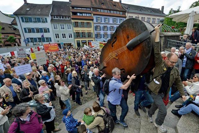 2000 Menschen demonstrieren fürs SWR-Sinfonieorchester