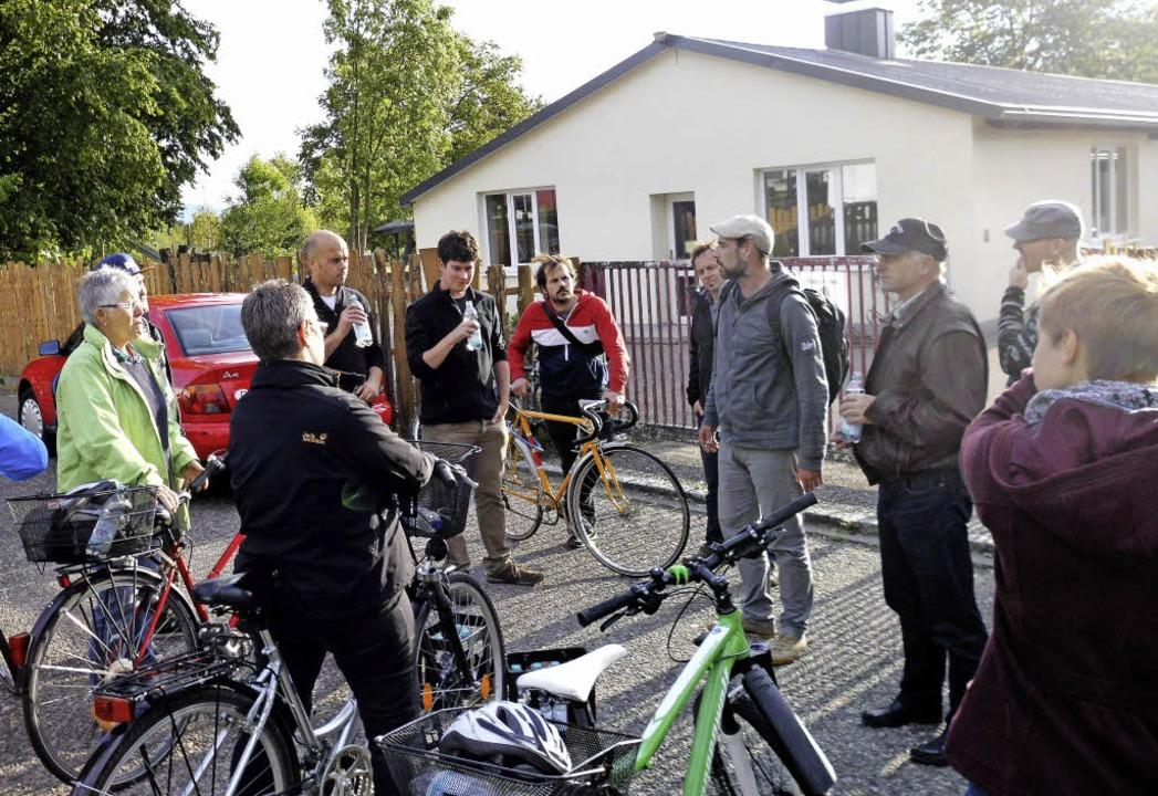 Weitgehend unter sich waren die Verans...er Radtour zu Jugendorten in Lörrach.   | Foto: Daniel Scholaster